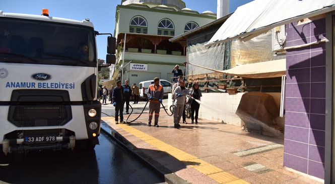Mersin Anamur'da Sokaklar Dezenfekte Edildi