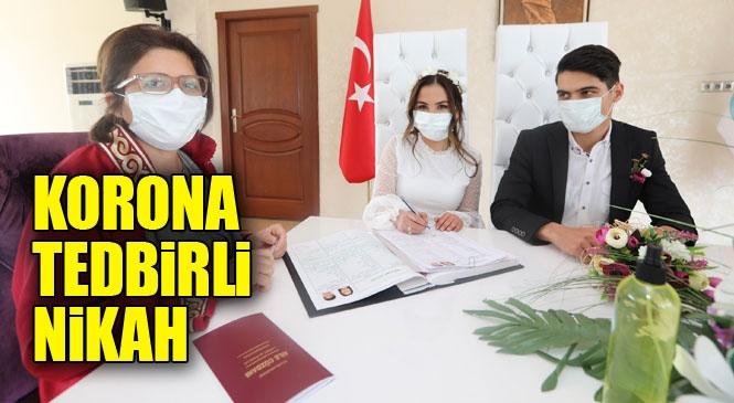 Mersin'de Kıyılan Nikah Koronavirüs (Covid-19) Tedbirleri Alınarak Kıyıldı