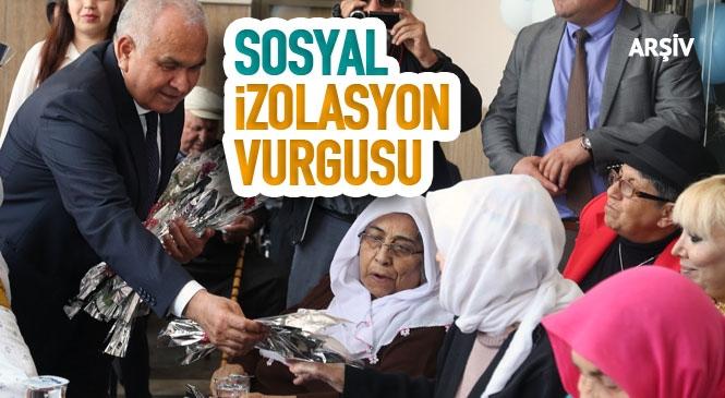 Mersin'in Erdemli Belediyesi Başkanı Mükerrem Tollu, Sosyal İzolasyon Vurgusunda Bulunarak, 18-24 Mart Yaşlılar Haftası İle İlgili Bir Mesaj Yayınladı