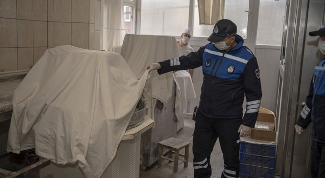 Mersin'de Ekmek Fırınlarına Sıkı Denetim! Büyükşehir Belediyesi, Fırıncılar Odası İle Birlikte Denetim Yapıyor
