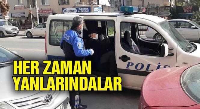 Mersin'de Polisler Yaşlı Vatandaşlara Eşlik Ediyor
