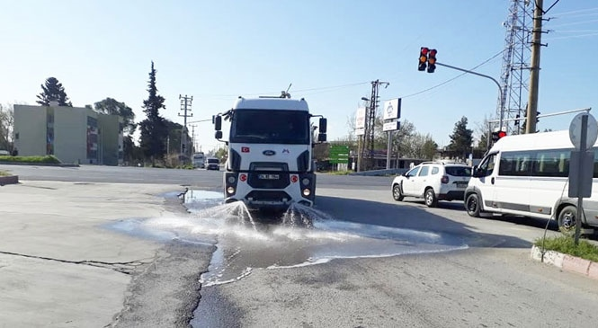 Mersin Büyükşehir'den Yenice'de de Dezenfekte ve İlaçlama Çalışması