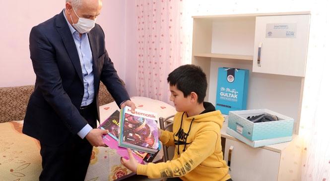 Akdeniz Belediye Başkanı Gültak, Bilsem'in Zeki Çocuklarını Ziyaret Etti