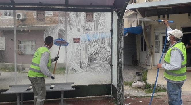 Tarsus'ta Büyükşehir Ekipleri Hergün Yüzlerce Noktada Dezenfekte Çalışması Gerçekleştiriyor