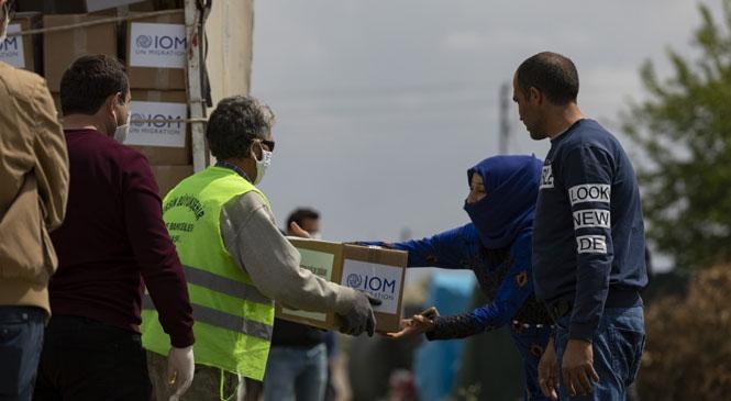 Mersin Büyükşehir, Uluslararası Göç Örgütü İle Mevsimlik Tarım İşçilerine Ulaştı