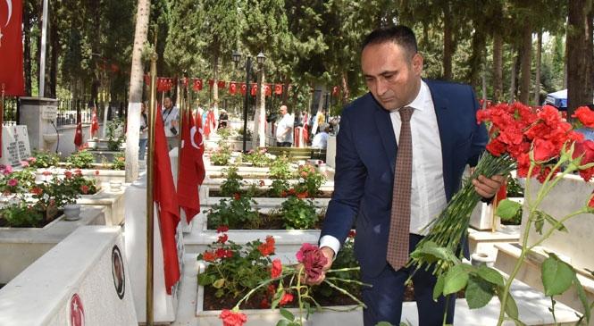 """Başkan Yılmaz; """"Türk Milletinin Vatan Sevgisi Her Şeyin Üstündedir"""""""