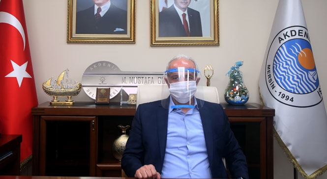 """Akdeniz Belediyesi'nden, """"3 Boyutlu Yüz Siperliği"""" Üretimine Destek"""