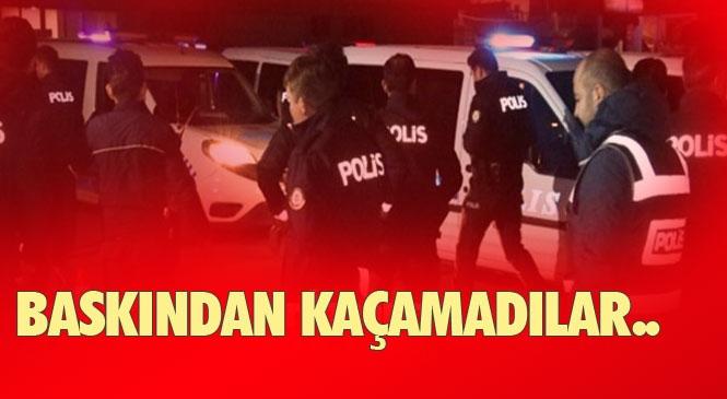 Mersin Tarsus'ta Kumar İhbarına Giden Polis 7 Kişiyi Yakaladı