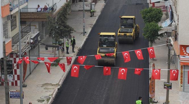 Dört Gün Boyunca Kentin İşlek Caddeleri Asfaltlandı! Mersin Büyükşehir, Dört Günlük Sokağa Çıkma Yasağında Asfalt Çalışmalarına Ağırlık Verdi