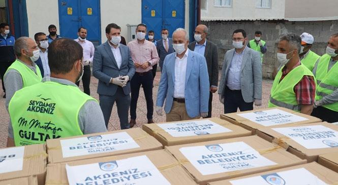 Akdeniz Belediyesi, İhtiyaç Sahibi Vatandaşlara Ramazan Kolilerini Dağıtmaya Başladı