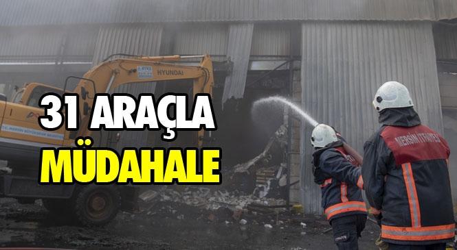 Mersin İtfaiyesi'nden Narenciye Paketleme Fabrikasındaki Yangına Anında Müdahale