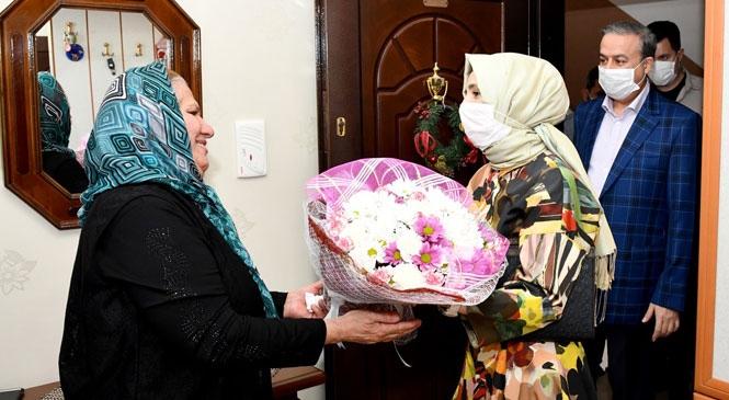 """Mersin Valisi Ali İhsan Su'dan """"Anneler Günü"""" Ziyareti"""