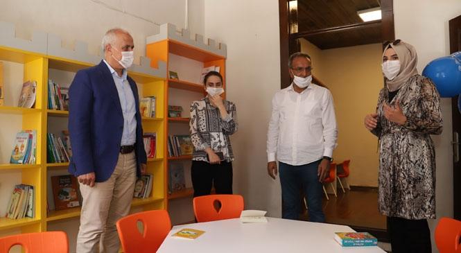 Akdeniz Belediye Başkanı Gültak, Çocuk Kütüphanesi ve Oyun Alanını Hizmete Açtı