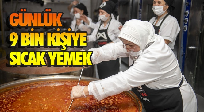 Mersin'de Tencere Tava Seslerine Şarkılar Karışıyor! Yemekler Büyükşehir'in Aşhanesi'nde Şarkılar ve Türküler Eşliğinde Pişiriliyor