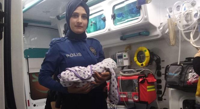 Mersin Tarsus Altaylılar Mahallesindeki Caminin Ayakkabılığına 10 Günlük Bebek Bırakıldı