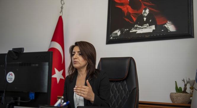 """Başkan Vekili Gülcan Kış, """"Kadın Liderler Covıd 19'a Karşı Güçlerini Birleştiriyor"""" Toplantısına Katıldı"""