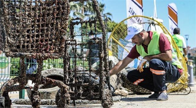 Mersin'de Balık Adamlar, Denizden Alışveriş Sepeti ve Sandalye Çıkardı! Büyükşehir Deniz Kirliliğine Dikkat Çekiyor