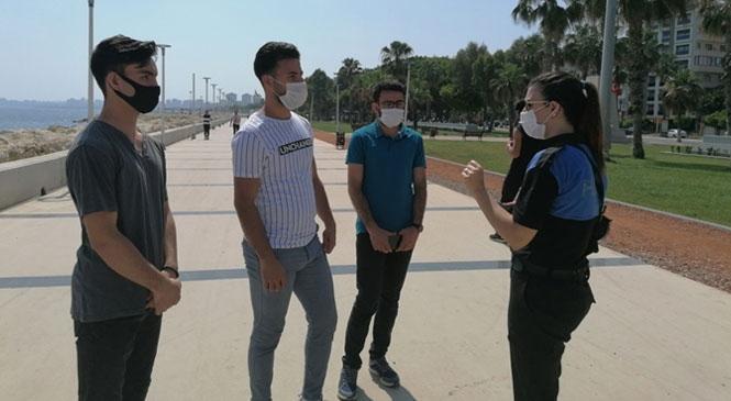 Mersin'deki Park ve Bahçelerde Gezen Vatandaşlara Polisten Uyarı Yapıldı