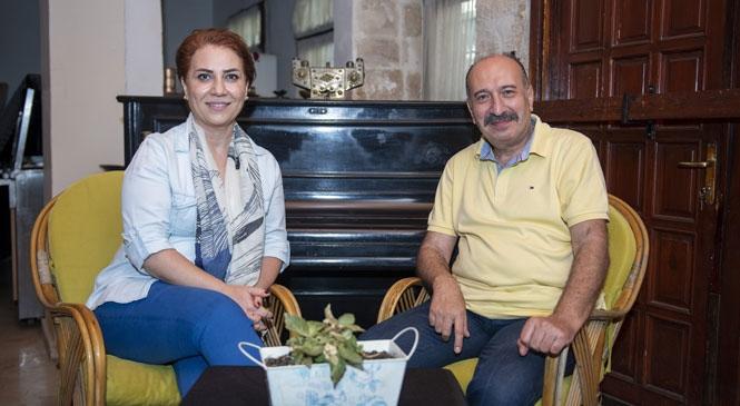 Mersin Şehir Tiyatroları ve Sinema Şube Müdürlüğü Usta Rejisör Murat Atak'a Emanet