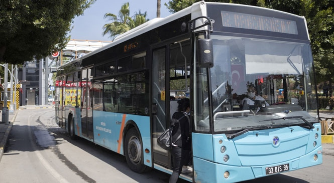 Mersin'de Belediye Otobüsleri Sınava Girecek Öğrenciler, Veliler ve Sınav Görevlilerine Ücretsiz! Büyükşehir, Merkezde 175 Otobüsle Hizmet Verecek