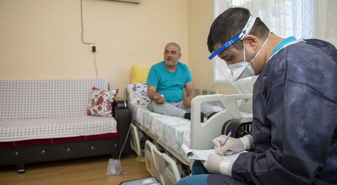 Mersin Büyükşehir, Salgın Sürecinde 1137 Hastaya 7 Bin 127 Kez Sağlık Hizmeti Verdi