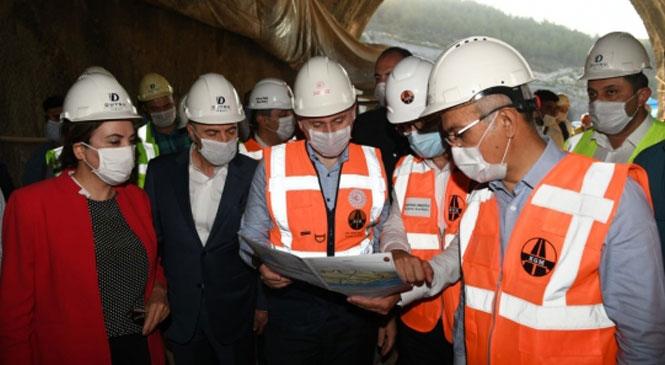 Bir Dizi İncelemeler İçin Mersin'e Gelen Bakan Karaismailoğlu, Mersin'deki Tünel Çalışmalarını İnceledi