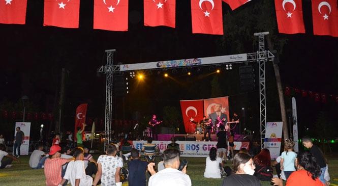 Büyükşehir'in Düzenlediği Konserler Kapsamında Bugün Tarsus'ta Tamay Özaltun Şarkılarını Seslendirecek