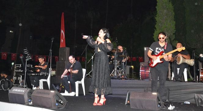 Tamay Özaltun Tarsus'ta Sahne Aldı! Büyükşehir'in Tarsus'ta Sosyal Mesafeli Konserleri Sürüyor