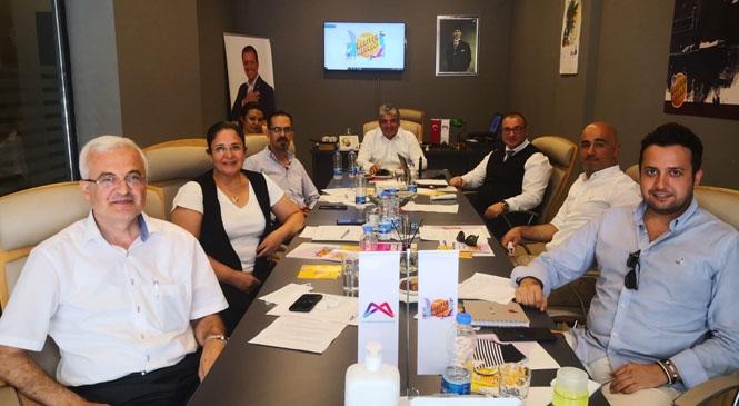 Mersin'de Kariyer Merkezi'nden Konsept Toplantılarla Görüş Alışverişi