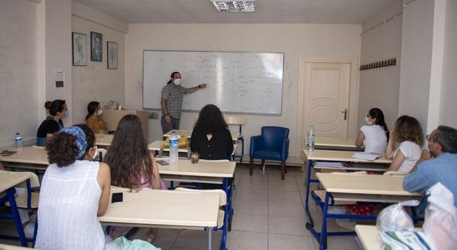 """Öğretmenler """"Hizmet İçi Eğitim"""" Çalışmalarına Başladı! 9 Branştaki 180 Öğretmen Sorunları ve Çözüm Önerilerini Masaya Yatırdı"""
