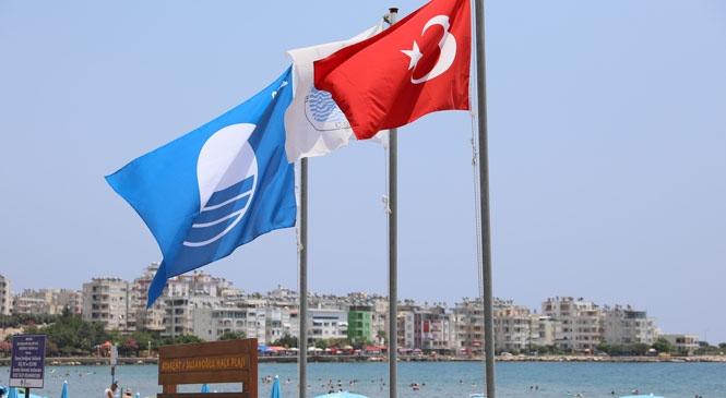Susanoğlu ve Kızkalesi Halk Plajları'nın Mavi Bayrağını Yeniledi