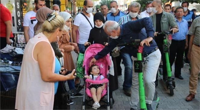 """Akdeniz Belediye Başkanı Gültak'tan, """"Scooterlı Kent Turu"""""""