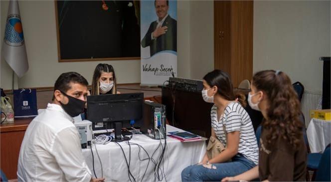 Mersin'de Üniversite Adaylarına Ücretsiz Danışmanlık Desteği