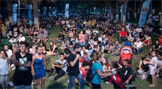 Mersinliler, Müziğin Ortak Paydasında Buluşuyor: Bayram Boyunca 61 Konser