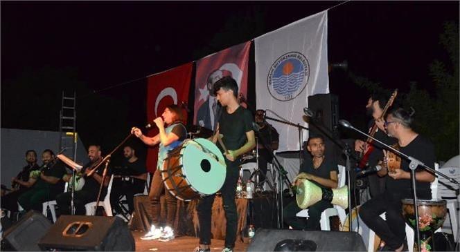 Ahmet Mercan ve Doğa Yavuz Uydacı Çamlıyayla'da Sahne Aldı