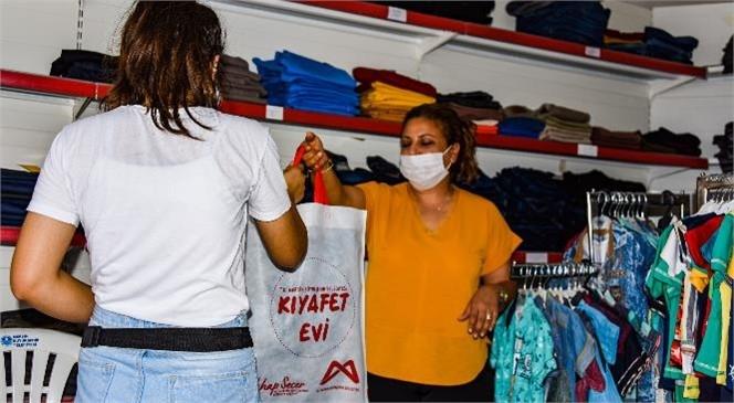 Mersin'de Asgari Ücretin Altında Geliri Olanlar, Kıyafet Evi'nden Faydalanacak