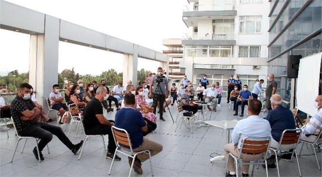 Akdeniz Belediye Başkanı Gültak, Çamlıbel Mahallesi Esnafı ve Sakinleriyle Bir Araya Geldi