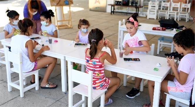 Mersin Büyükşehir Belediyesi, Kadın ve Çocuklara Yönelik Ücretsiz Olarak Düzenlediği Atölyelerine Devam Ediyor