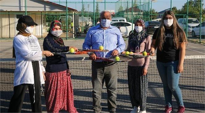 """""""Torosların Zirvesinde, Köylülerin Tenis Heyecanı"""""""