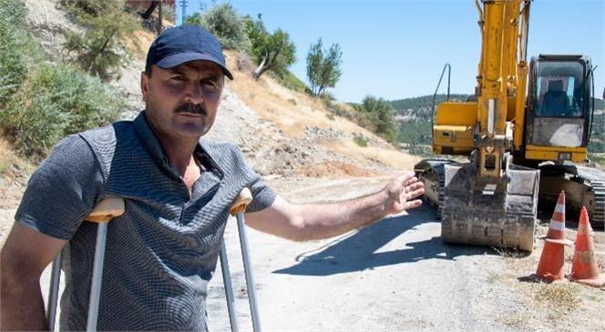 Mersin Büyükşehir, Gülnar'da Aşırı Yağışların Bozduğu Yolu Onarıyor! Gülnarlı Üreticinin Bir Sorunu Daha Büyükşehir'le Çözülüyor