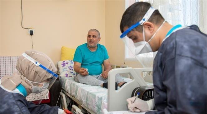 Mersin'de Alanında Uzman Personellerden Dört Dörtlük Evde Sağlık ve Bakım Hizmeti!17 Ayda Toplam 2 Bin 797 Kişiye, 30 Bin 531 Kez Evde Sağlık ve Bakım Hizmeti Verdi