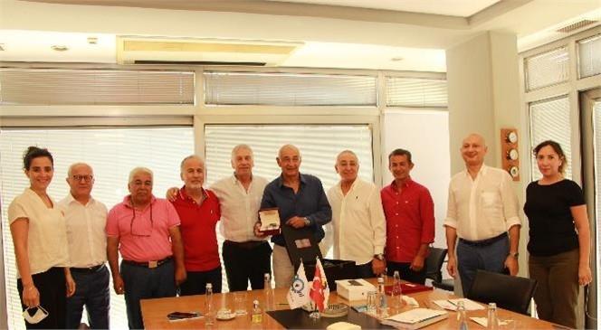 Mersin Deniz Ticaret Odası'na Uzun Yıllar Emek Veren Genel Sekreter Korer Özbenli, Emekliye Ayrılacak Olması Nedeniyle Görevine Veda Ediyor