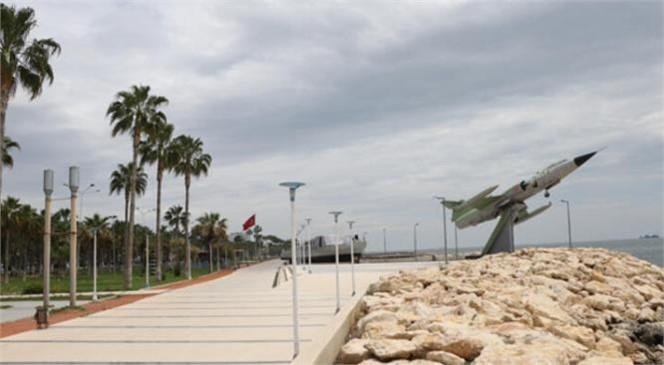 Mersin Büyükşehir Ekipleri Tarihi Savaş Gemisi ve Uçağı Bakımdan Geçiriyor