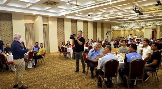 Akdeniz Belediye Başkanı Gültak, Zabıta Memurları İle Buluştu