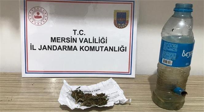 """Mersin Silifke'de Jandarma Kubar Esrar ve Uyuşturucu Madde İçiminde Kullanılan """"Bong"""" Ele Geçirdi"""