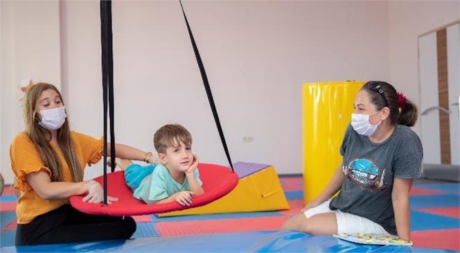 """Proje Ödüle Layık Görüldü! Mersin Büyükşehir'in Özel Çocuklara Uyguladığı """"Duyu Bütünleme Terapisi"""" Ödül İle Taçlandı"""