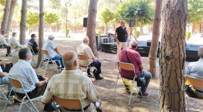 Emekliler, Büyükşehir Gençlik Kampında Mutlu Bir Gün Geçirdiler