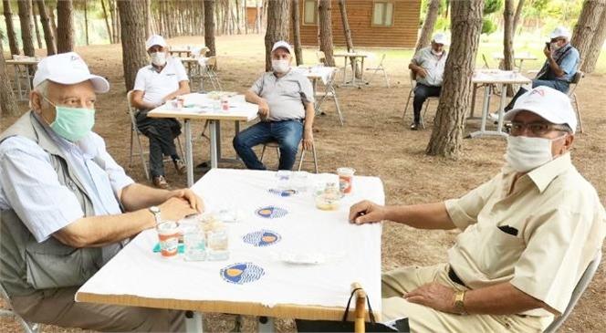 Tarsuslu Emekliler, Gençlik Kampında Keyifli Bir Gün Geçirdi
