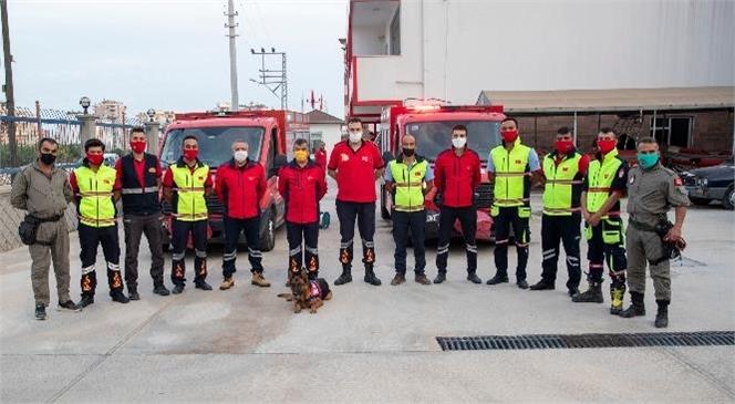 Mersin Büyükşehir İtfaiyesi İzmir'e Yardım İçin Yola Çıktı