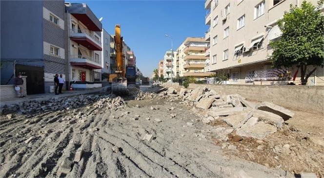 Zafer Caddesi Baştan Aşağıya Yenileniyor! Mersin Büyükşehir, Hizmetleriyle Caddeleri Güzelleştiriyor